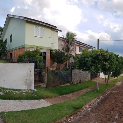Casa 2 pisos 2 moradias Bairro Novo Atlantico em Erechim RS