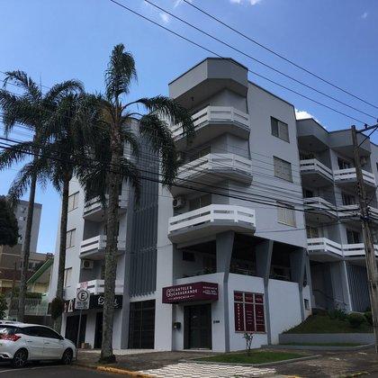 Apartamento Central com 3 dormitórios
