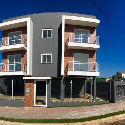 Apartamento Novo de Fundos