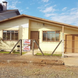 Casa no bairro aeroporto com terreno de esquina!