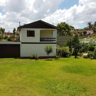 Comprar casa no Bairro Parque Livia