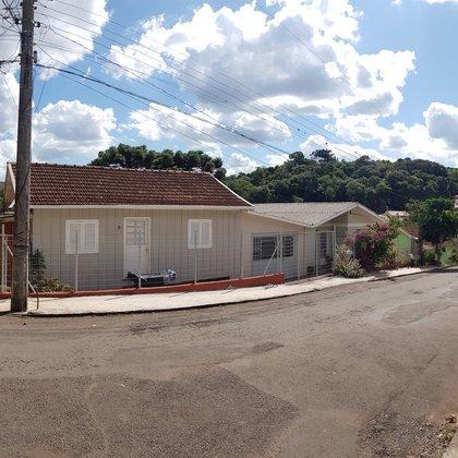 Quatro moradias no mesmo terreno bairro Triângulo em Erechim RS