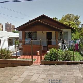 Casa no Bairro Centro, terreno com 750 m² !