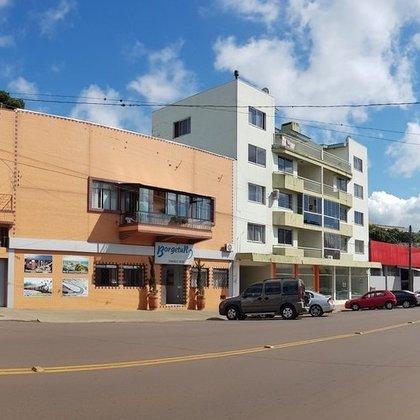 Apartamento Central com 3 dormitórios em Erechim RS