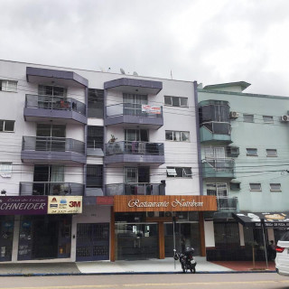 Apartamento Semi Mobiliado Central