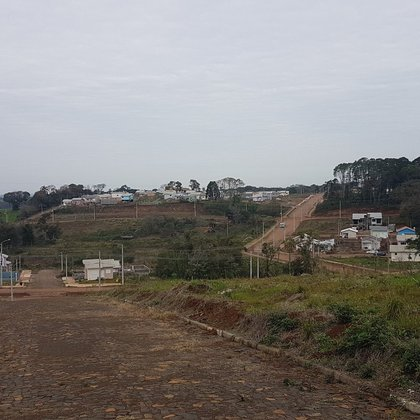 Terreno plano local alto em Erechim RS