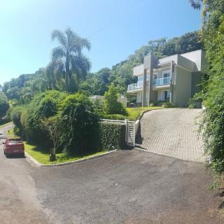 Casa de Luxo em Condomínio Fechado em Erechim RS