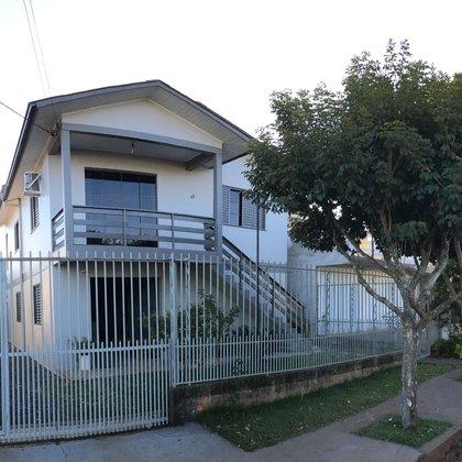 Casa Com Dois Pisos/Duas Moradias De: R$385Mil Por: R$361Mil