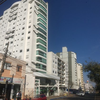 Apartamento Central semi mobiliado