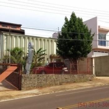 Terreno + Pavilhão + Apto Quadriplex